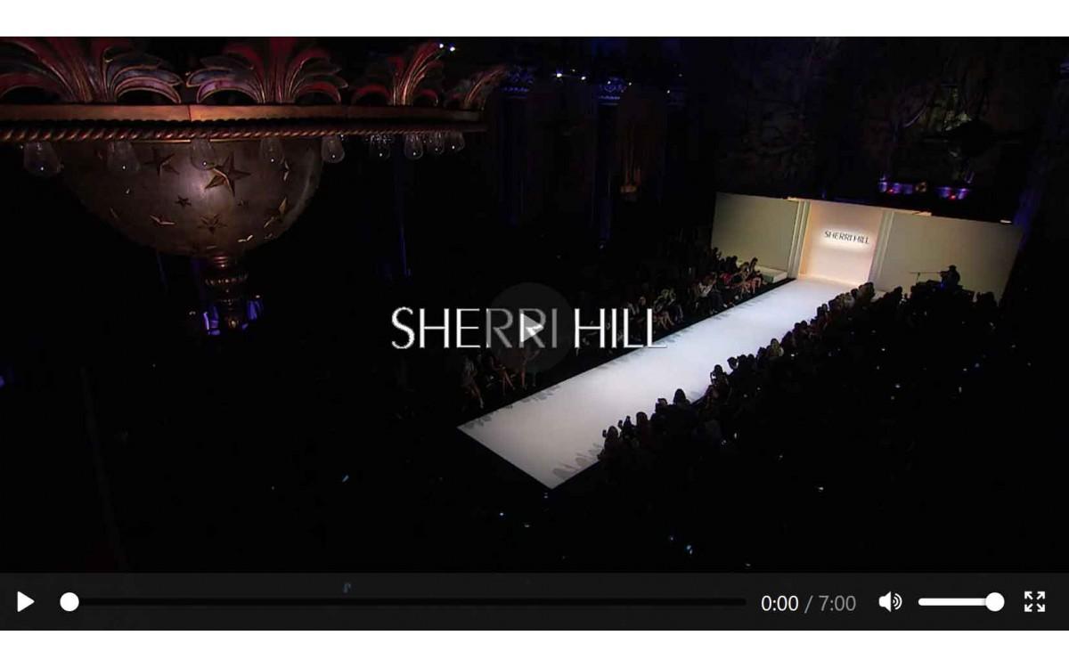 Показ новой коллекции SHERRI HILL Fall 2019